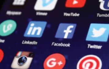 telefono movil para manejo de redes sociales